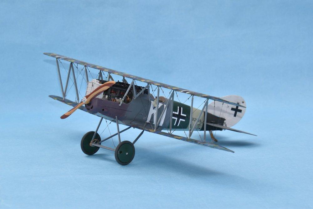 Pfalz D XII Wingnut Wings 32019 32nd -1.JPG